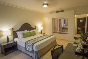 Deluxe Jacuzzi Room - Family Area Accommodations - Memories Splash Punta Cana - All Inclusive