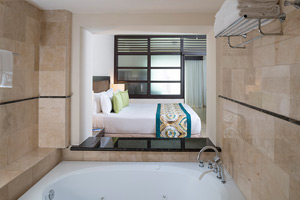 Premium Jacuzzi Junior Suite - Diamond Club Family Rooms Area - Royalton Punta Cana Resort & Casino